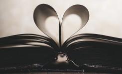 Boek in de vorm van een hartje